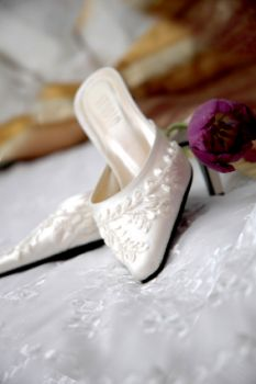 These pretty bridal shoes would look lovely with any wedding gown