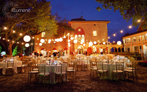 4 Creative Wedding Lighting Ideas to Make Any Outdoor Wedding Shine