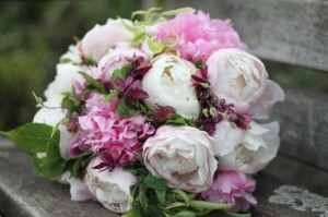 4 Factors to Consider for Choosing Your Wedding Bouquet