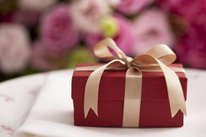 For the Mother of the Groom: What present to get your future daughter in law?