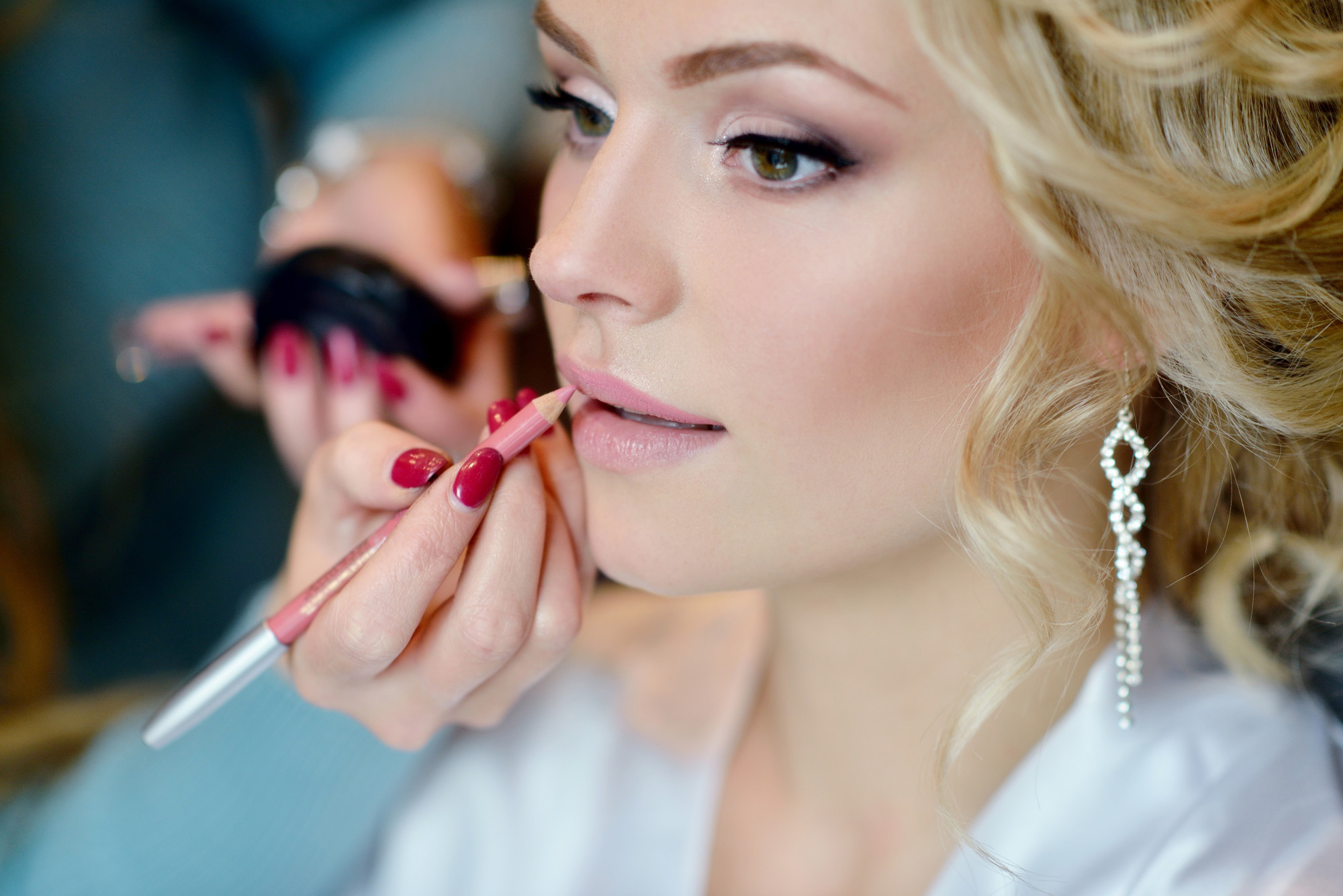 Ready For Your Big Day? Bridal Makeup Tips For Flawless